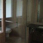 111014_kemang_master_bathroom